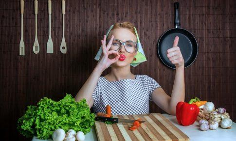 Przykład jadłospisu wegańskiego na 2600 kcal (np. dla matki karmiącej weganki)