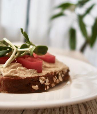Hummus z oliwkami