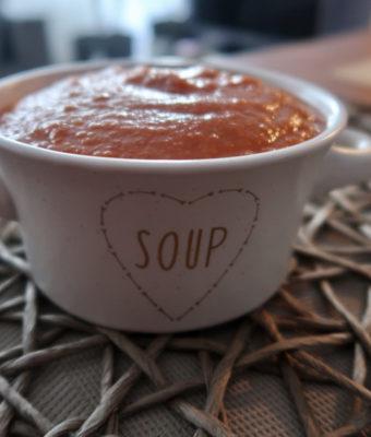 Zupa krem z batatów, pomidorów i soczewicy