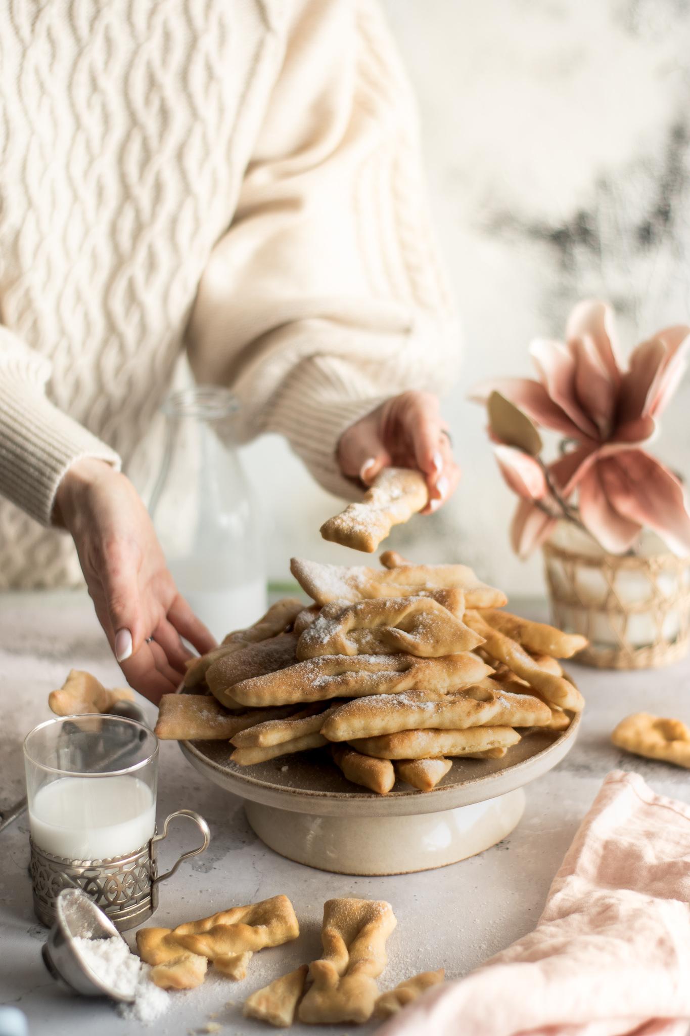 Faworki wegańskie pieczone