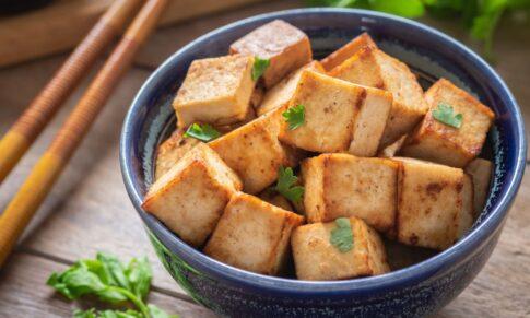 Pięć prostych i smacznych sposobów na tofu